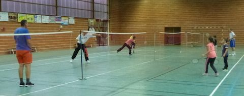 club badminton